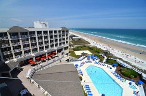 wrightsville-beach-holiday-inn-hotel-ocean-front-resort-pool-300x198